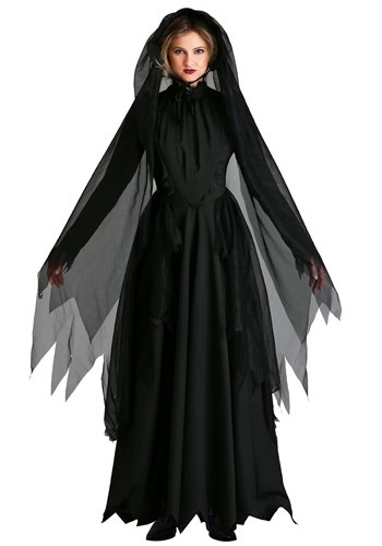 Plus Size: Lady in Black Ghost Costume
