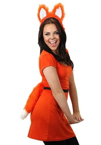 Moving Orange Fox Tail